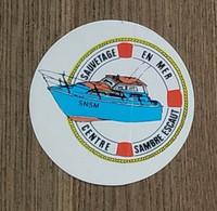 AUTOCOLLANT STICKER - SNSM - SAUVETAGE EN MER - CENTRE SAMBRE-ESCAUT - BATEAU - Stickers