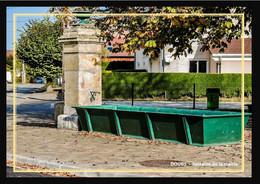 25  DOUBS  -  Fontaine Face A La Mairie - Otros Municipios