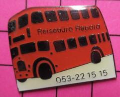 SP11 Pin's Pins / Beau & Rare / THEME : TRANSPORTS / BUS ANGLAIS ROUGE ALLEMAND ! REISEBURO ... - Transportation