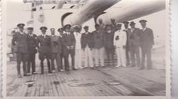 SOLDATS MARINES EN CUIRASSE NAVIRE DE GUERRE. SOLDADOS NAVALES EN ACORAZADO. PHOTO 1940's 13.5X8.5CM- LILHU - Militaria