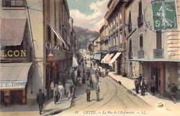 34 - SETE ( CETTE ) La Rue De L' Esplanafe ( Animation Et CAFE Du BALCON En 1er Plan ) - Jolie CPA Colorisée - Hérault - Sete (Cette)