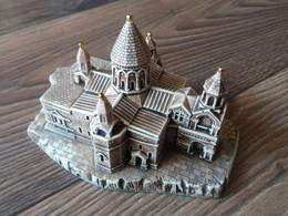 Miniature De La Cathédrale D'Etchmiadzin, Modèles D'Église Célèbre, Réplique, Cathédrale Arménienne - Other