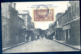 Cpa La Guadeloupe Illustrée -- Basse Terre  , La Grande Rue Du Cours     AVR21-24 - Basse Terre
