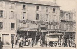 15 AURILLAC Autobus Devant Hôtel Tourde - Aurillac