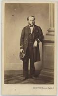 CDV Circa 1865. Un Marin Avec Médailles. Miniatures. Marine. Photographe Delintraz à Paris. - Oud (voor 1900)