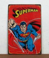 USA Metal Tin Sign Retro Design 'Flying SUPERMAN' - 30x20cm - XFine Condition - Plaques En Tôle (après 1960)