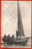 Pêcheurs Normands (Calvados) Inspectant Les Filets - Fishing Boats