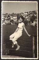 Pretty Girl Woman Outside Old Photo 14x9 Cm #33434 - Anonyme Personen