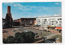 CALAIS - N° 1677 R - LA PLACE D' ARMES ET TOUR DU GUET - PLI ANGLE HAUT A DROITE - CPSM GF VOYAGEE - Calais