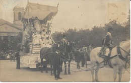 CPA - France - (85) Vendée - La Roche-Sur-Yon - Carte Photo - Char Fleuri Place Napoléon Mi-Carême 1907 - La Roche Sur Yon