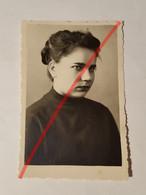 Photo D'époque. Original. Mode. Une Fille Avec Une Belle Coiffure. L'URSS - Oggetti