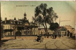 MAISON - ALFORT—La Mairie - Maisons Alfort