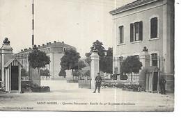 55 - SAINT MIHIEL - Quartier Sénarmont - Entrée Du 40e Régiment D'Artillerie  (Petite Animation) - Saint Mihiel
