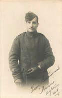 CARTE PHOTO SOLDAT EN ANGLETERRE 1918 ENVOYEE A  HEUCHIN A MONSIEUR RIGOUT NOTAIRE - Oorlog 1914-18