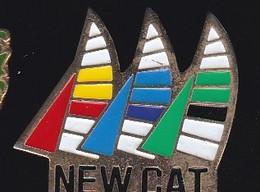 71203-Pin's.catamarans New-Cat.Bateau.Voilier. - Barche