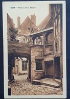 Carte Postale GIEN (Loiret): Maison Puits á Deux Etages, 068 - Gien