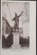 Carte Postale GIEN (Loiret): Statue De Vercingétorix, 070 - Gien