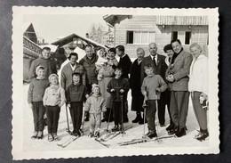 Wengen Gruppenbild Vor Chalet/ Januar 1959/Fotokarte Baumann - BE Berne
