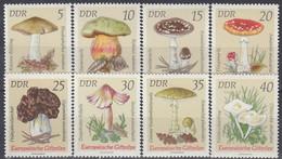 GERMANY DDR 1933-1940,unused,mushrooms - Unused Stamps