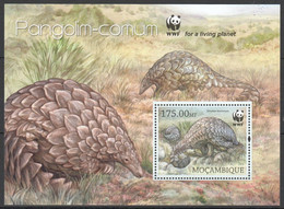 TT883 LAST BL IN STOCK 2013 MOZAMBIQUE MOCAMBIQUE WWF FAUNA WILD ANIMALS PANGOLIM-COMUM BL MNH - Ungebraucht