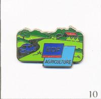 Pin's Energie - EDF / GDF / Agriculture. Estampillé AMC. Zamac. T807-10 - EDF GDF