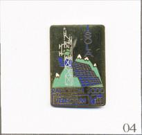 Pin's Telecom - France Telecom / Radiocom 2000. Estampillé Mathieu. EGF. Numéroté N# 751. T807-04 - Telecom Francesi