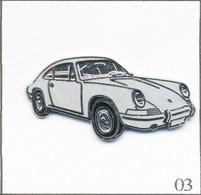 Pin's Automobile - Porsche / Modèle 911 - Version Gris Clair. Non Estampillé. EGF. T808-03 - Porsche