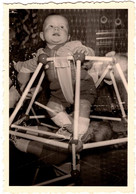 Amusante Photo Originale Enfants & Jeu De Superposition D'enfants Et Bébé Autour D'un Youpala !1960/70 - Anonymous Persons