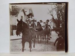 Genève. Cortège. Fête. Char. 1902. 9x8 Cm - Lieux