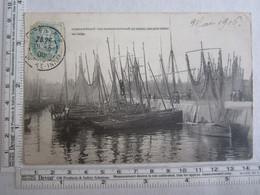 29] Finistère Concarneau Les Bateaux Au Bassin Par Gros Temps Au Large - Concarneau