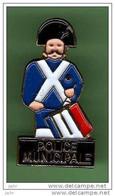 POLICE MUNICIPALE *** Signe PIN'S TOP *** 2108 - Polizia
