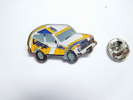 Beau Pin's , Auto Lada ?? 4X4 , Rallye ,  Gaz Carburant VIFF - Rallye
