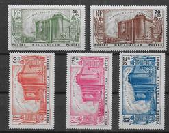 Madagascar - Série N° 209 à 213 * *  - Cote : 105,00 € - Nuevos
