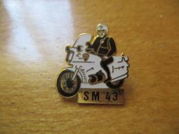 A048 -- Pin's SM 43 - Polizia