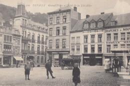 DINANT / GRAND PLACE ET HOTEL DE LA TETE D OR  / ANIMATION - Dinant
