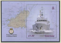 "GROSSBRITANNIEN-GUERNSEY / MiNr. Block 34 / Fischereischutzboot HMS ""Guernsey"" / Postfrisch / ** / MNH - Boten"