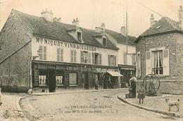 94* VILLIERS S/MARNE   Un Coin De La Rue De Paris – Cafe «nicuet»   RL14.1313 - Villiers Sur Marne