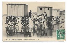 JOLIE CPA ANIMEE BOULOGNE SUR MER, ANIMATION, VUE SUR LES CABINES DES BAIGNEURS, ATTELAGE, CHARIOT, PAS DE CALAIS 62 - Boulogne Sur Mer