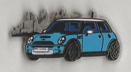 Pin's BMW MINI En Zamac - BMW