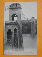 LA ROCHE BERNARD -- Le Pont - Moulin Sur La Colline En Arrière-plan - Molinos De Viento