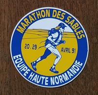 AUTOCOLLANT STICKER - MARATHON DES SABLES - AVRIL 1991 - ÉQUIPE HAUTE-NORMANDIE - SPORT - COURSE - ATHLÉTISME - Stickers