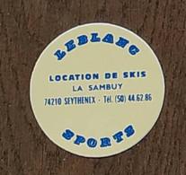 AUTOCOLLANT STICKER - LEBLANC SPORTS - LOCATION DE SKIS - LA SAMBUY 74210 SEYTHENEX - HAUTE-SAVOIE - Stickers
