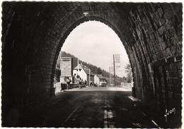 LE LIORAN  L'Auberge Du Tunnel - Otros Municipios