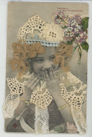 ENFANTS - LITTLE GIRL - MAEDCHEN - Jolie Carte Fantaisie Fillette Avec Ajout Tissu Broderie Et Vrai Cheveux (real Haïr ) - Embroidered