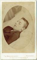 Photo CDV. Post Mortem. Garçon Mort. Foto Brackelaire, Tournai. - Old (before 1900)