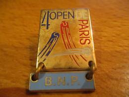 A0016 -- Pin's 4eme Open De Paris BNP Arthus Bertrand -- Exclusif Sur Delcampe - Tenis