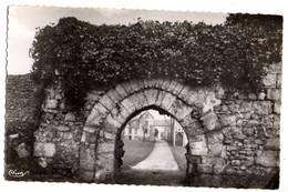 BRIE COMTE ROBERT---1957--Ruines Du Vieux Chateau....................à Saisir - Brie Comte Robert