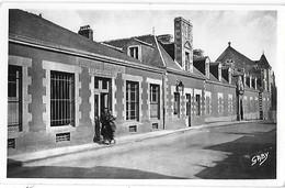 56 Morbihan - PLOERMEL -La Poste Et La Gendarmerie -  Postes Télégraphes - - Ploërmel