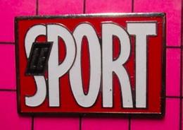 421 Pin's Pins / Beau Et Rare : Thème MEDIAS / MAGAZINE LE SPORT REVUE - Mass Media