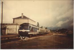 JV /  Photo Originale TRAIN LOCOMOTIVE  CC  MONTARGIS  1984 Format 13 X 9 CM - Trains